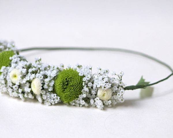 Blüten und Blätter anlegen und mit Floratape befestigen ©GartenAkademie.com