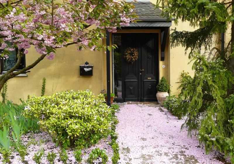 house-entrance-255132_cocoparisienne_Pixabay
