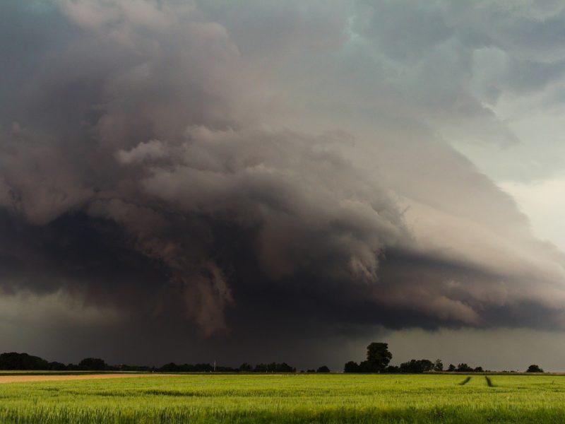 Unwetter-Schäden vorbeugen und beheben